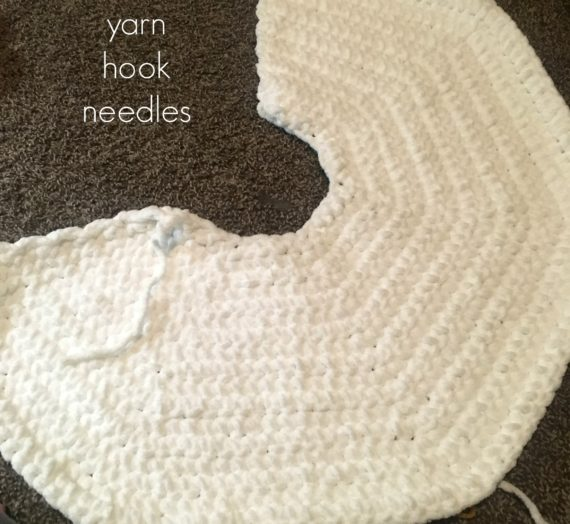 Chunky Christmas Tree Skirt with FREE Pattern Link – Yarn|Hook|Needles