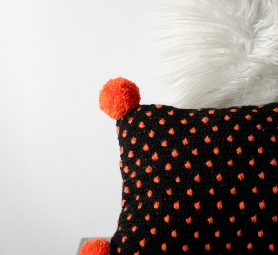 Make the easiest Fall Crochet Pillow with This FREE Pattern!