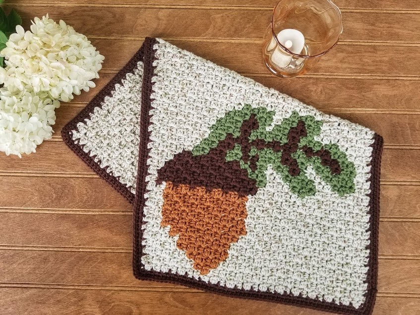 Make These Fall Themed Free Crochet Patterns For Thanksgiving